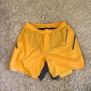 "Lululemon Surge Shorts 7"" - Yellow"